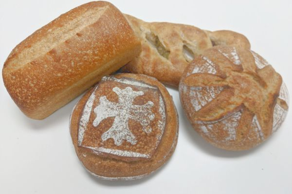 Bread from the Les Vraies Richesses bakery